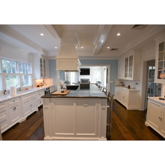 Whipped White Traditional Pre-Owned Kitchen & Wet Bar
