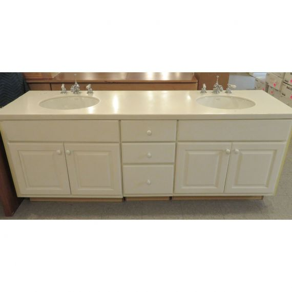 White Double Vanity w/ Chrome Faucets