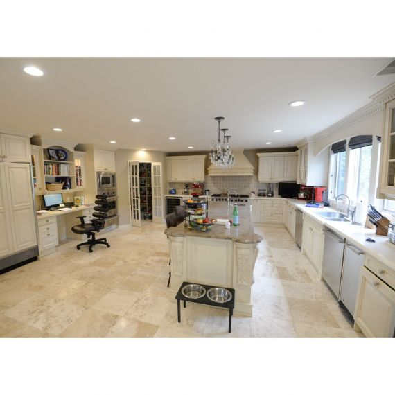 Downsview Pearl Traditional Pre-Owned Kitchen