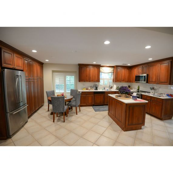 Medallion Amaretto Traditional Pre-Owned Kitchen