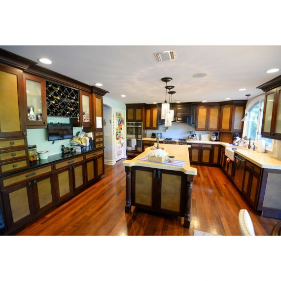 Two Tone Old Gold Traditional Pre-Owned Kitchen