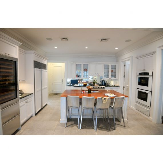 Millbrook Custom Off-White Traditional Pre-Owned Kitchen