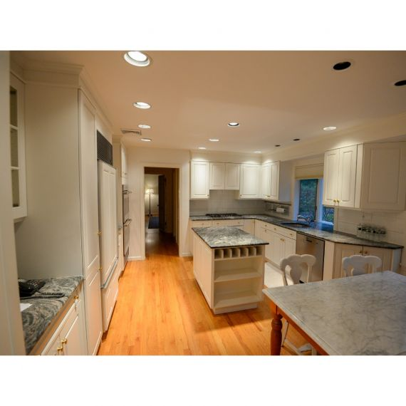 Wood-Mode Calm White Traditional Pre-Owned Kitchen