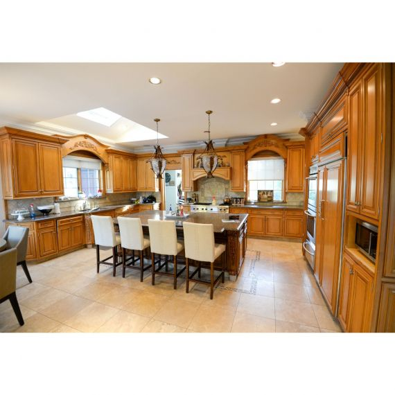 Custom Maple Syrup Traditional Pre-Owned Kitchen