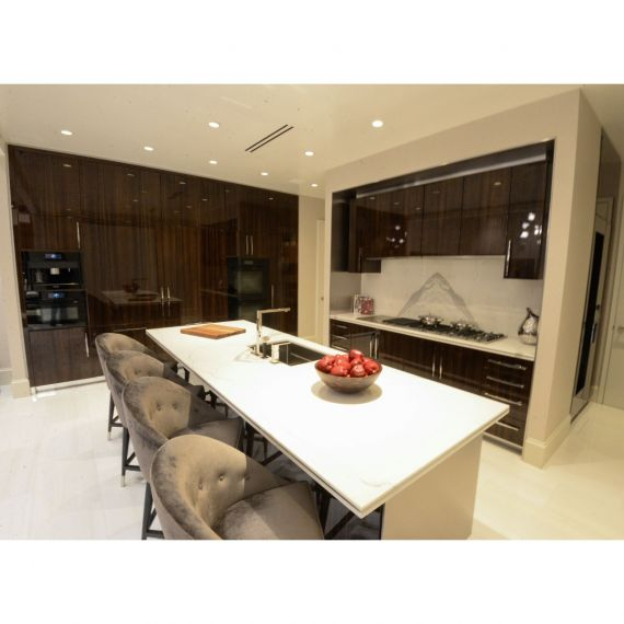 Smallbone Mahogany & Walnut Glossy Showroom Display Kitchen