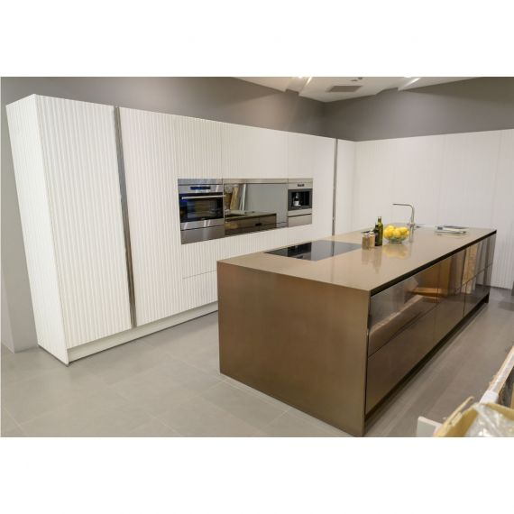 Arclinea Gamma White & Copper Modern Showroom Display Kitchen