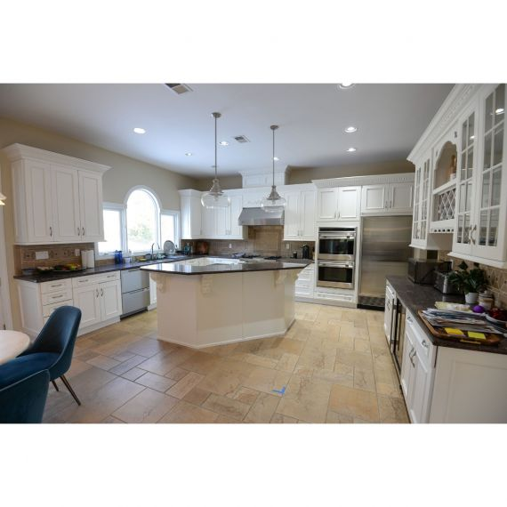 Brookhaven Mascarpone Traditional Pre-Owned Kitchen
