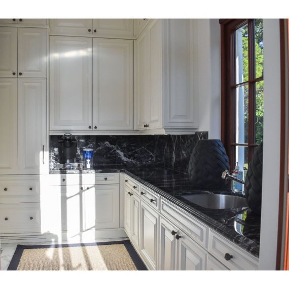 Downsview Genteel White Traditional Pre-Owned Kitchen