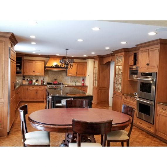 Quality Custom Black & Tan Traditional Pre-Owned Kitchen