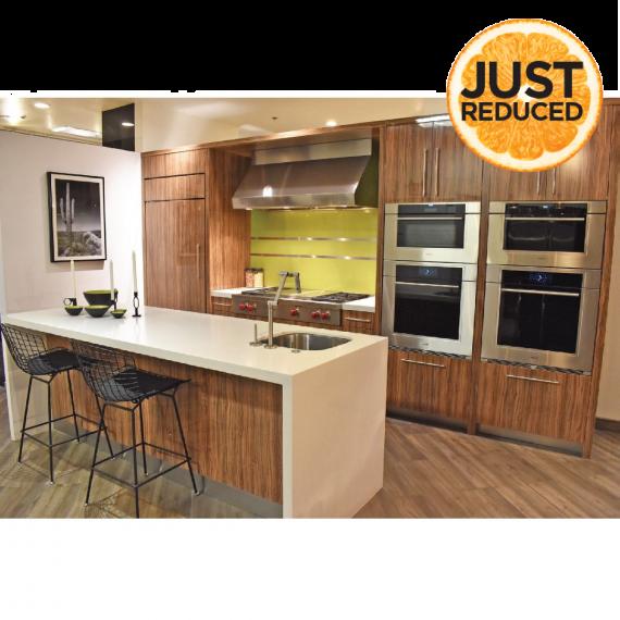 Irpinia Striated Modern Showroom Display Kitchen