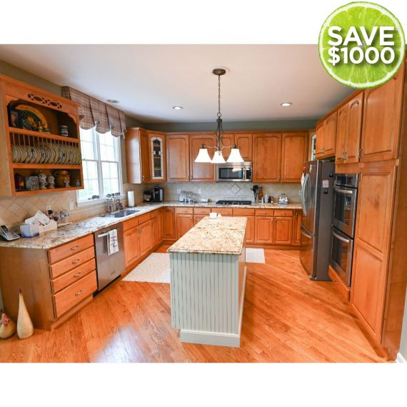 Premier & Homecrest Two Tone Traditional Pre-Owned Kitchen