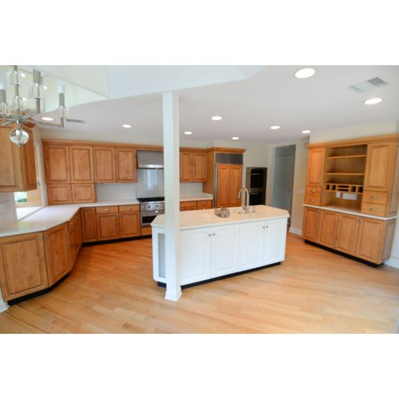 Two Tone White and Maple Traditional Pre-Owned Kitchen
