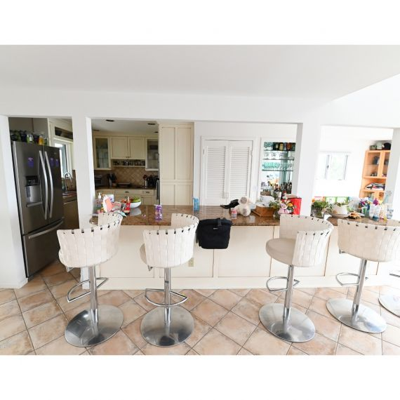 Citronee Traditional Pre-Owned Kitchen