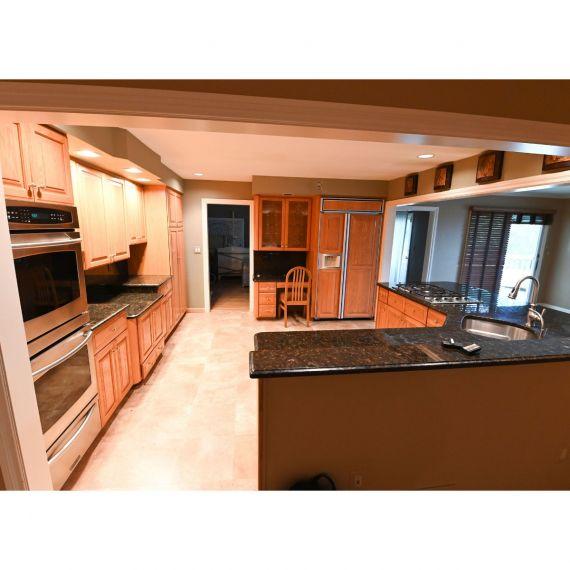 Fieldstone Traditional Pre-Owned Kitchen & Desk Area