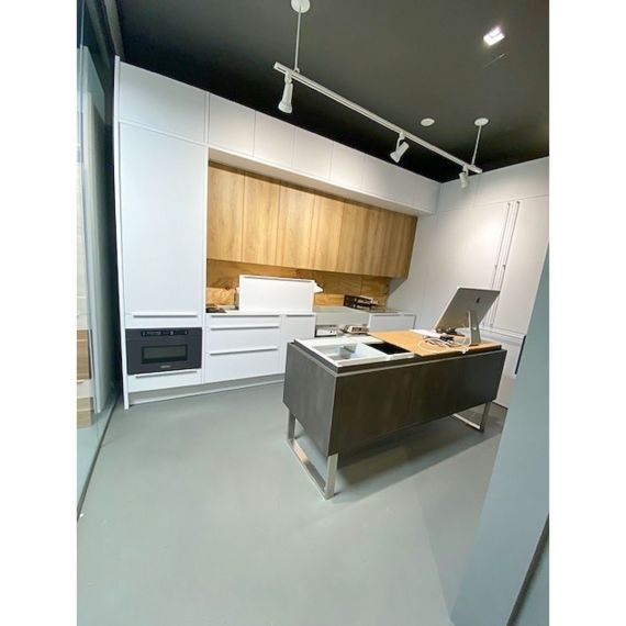 Leicht Tri-Tone Modern Showroom Display Kitchenette & Island