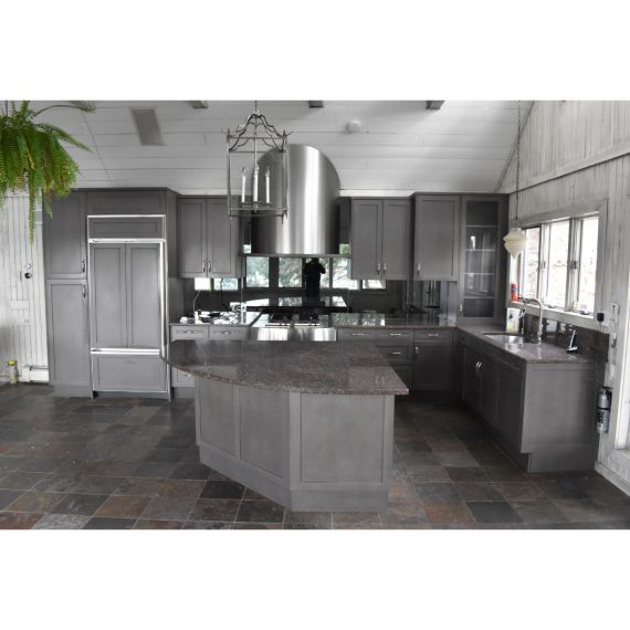 Downsview Oswego Tea Traditional Pre-Owned Kitchen