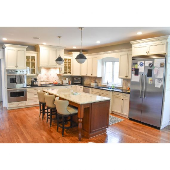 Wood Ash & Caramel Traditional Pre-Owned Kitchen & Dry Bar