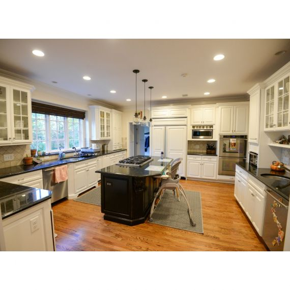 White Truffle Traditional Pre-Owned Kitchen