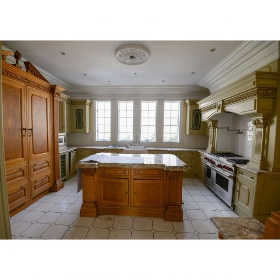 Clive Christian Secluded Moss Traditional Pre-Owned Kitchen