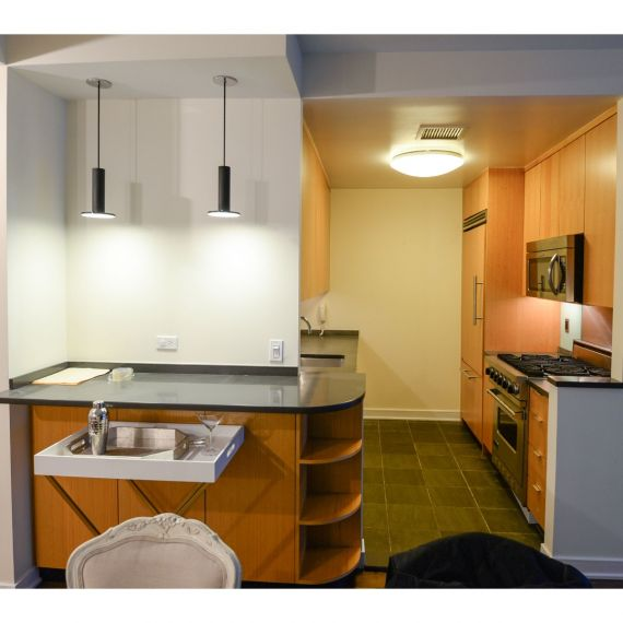 Amber Field Modern Pre-Owned Kitchen