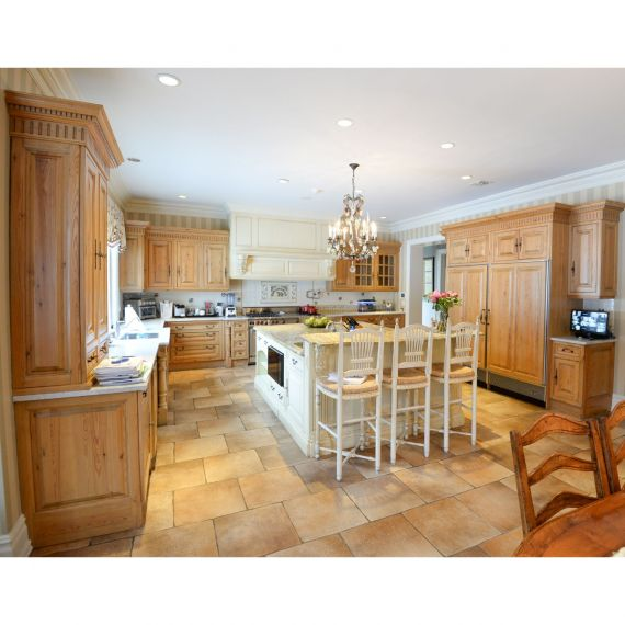 Clive Christian Consentino Chardonnay & Pine Traditional Pre-Owned Kitchen