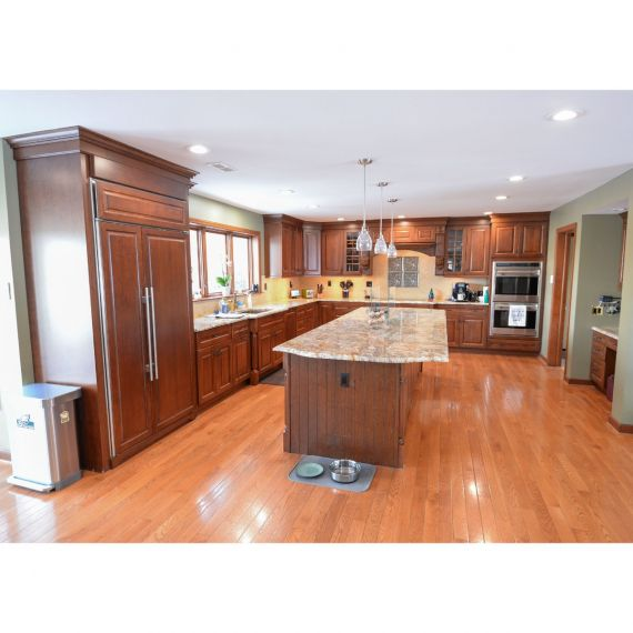Century Chestnut Traditional Pre-Owned Kitchen