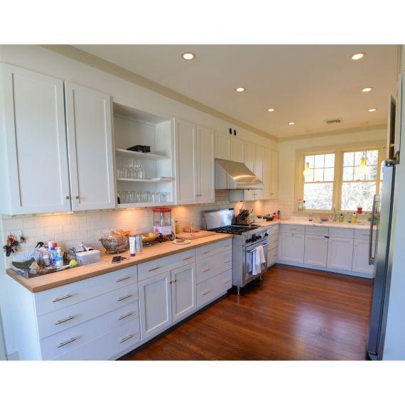 Omega Porcelain Transitional Pre-Owned Kitchen
