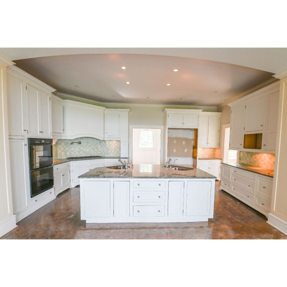 New Canaan Custom Swiss Coffee Traditional Pre-Owned Kitchen & Wet Bar