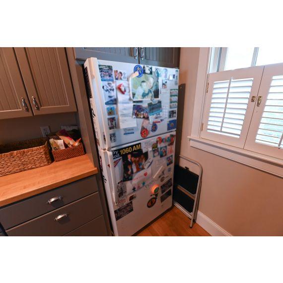 "Whirlpool 30"" White Top Freezer Refrigerator"