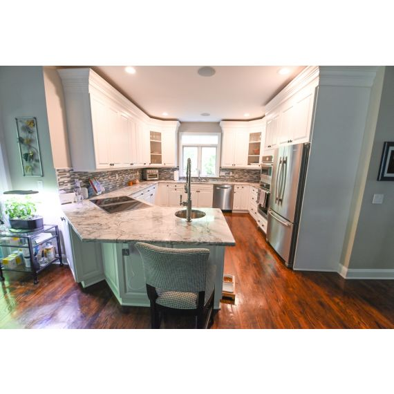 Sandy Hook Harwood Putty Transitional Pre-Owned Kitchen