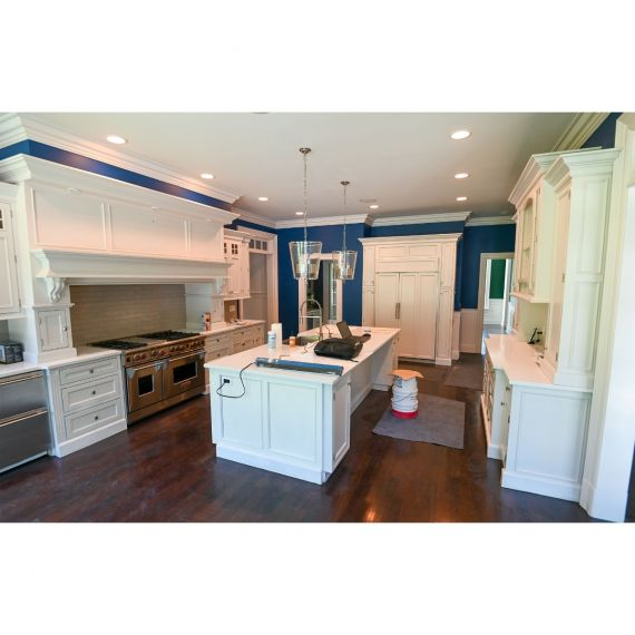 New Canaan Plain & Fancy Polished Traditional Pre-Owned Kitchen