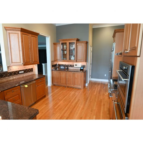 Century Ginger Snap Traditional Pre-Owned Kitchen