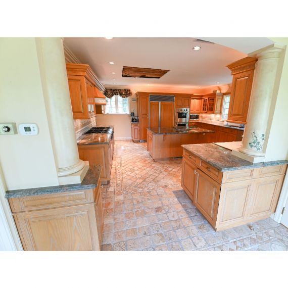 Greenwich Distressed Traditional Pre-Owned Kitchen & Butler's Pantry
